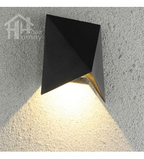 HH Integated LED Metal Pyramid Outdoor Wall Light